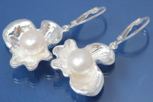 Earring Flower with Pearl 925/- Silver polished, approx size high 41mm incl. leverback, wide 23,5mm,  with FW-Pearl approx size Ø10,0mm.