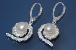 Earring Spiral Leaf with Pearl 925/- Silver polished, approx size high 37,5mm incl. leverback, wide 15,5mm,  with FW-Pearl approx size Ø7,5mm.